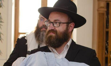 Поздравляем Шолома и Мирьям Циммерман, которые в добрый час ввели своего сына Йосефа в союз Авраама-авину!