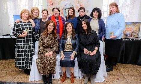 В Херсоне состоялась встреча женщин из Хабад Херсон и Николаевской еврейской общины, посвященная памяти реббецн Хае-Мушке Шнеерсон.
