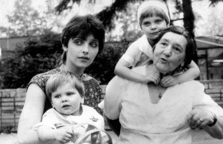 Внучка Высоцкого: «Во все, что попадалось мне на пути, я ныряла с головой»
